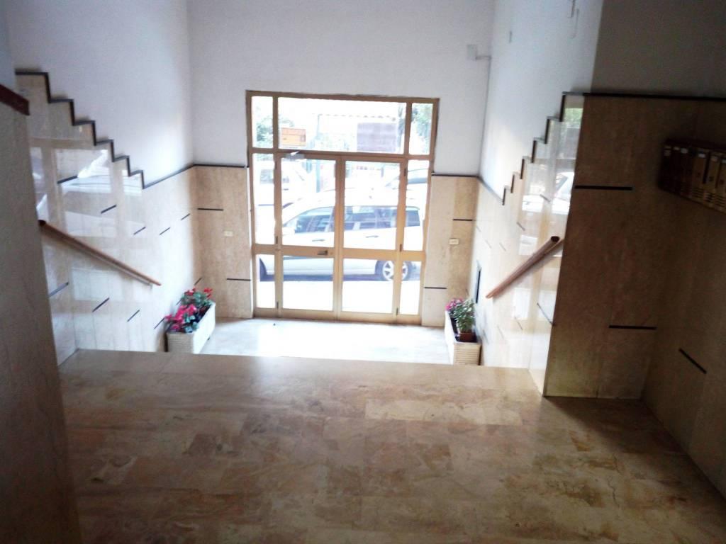 Appartamento in buone condizioni in vendita Rif. 8396168