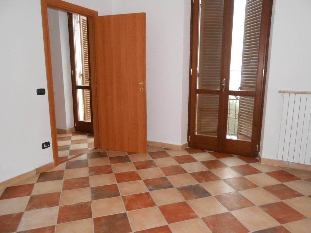 Appartamento in ottime condizioni parzialmente arredato in affitto Rif. 8396668