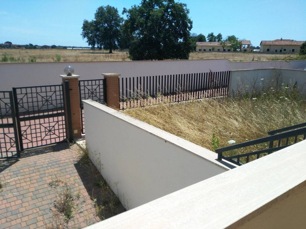 Villa in vendita 5 vani 200 mq.  via Santa Cristina Valgardena Roma