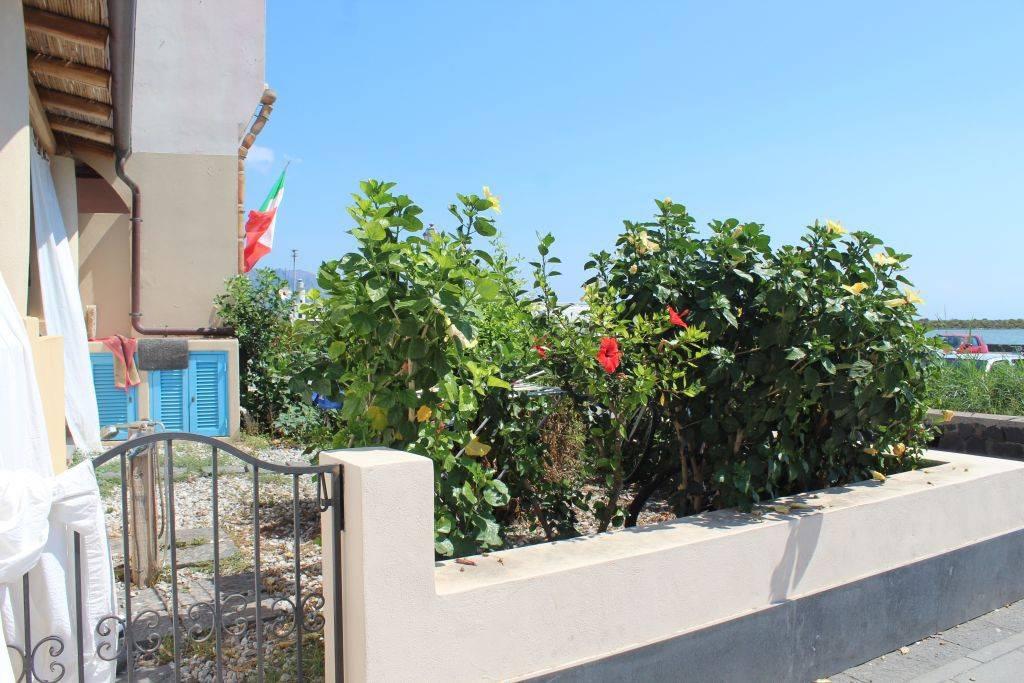 Appartamento in buone condizioni arredato in vendita Rif. 8396126