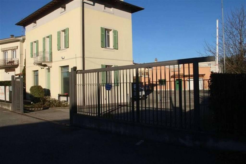 Ufficio / Studio in affitto a Bulgarograsso, 6 locali, prezzo € 1.200 | CambioCasa.it