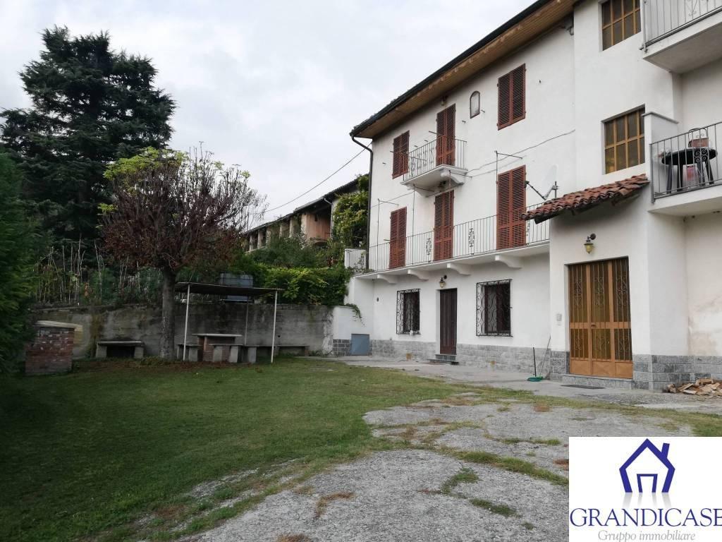 Appartamento in buone condizioni arredato in affitto Rif. 8170727