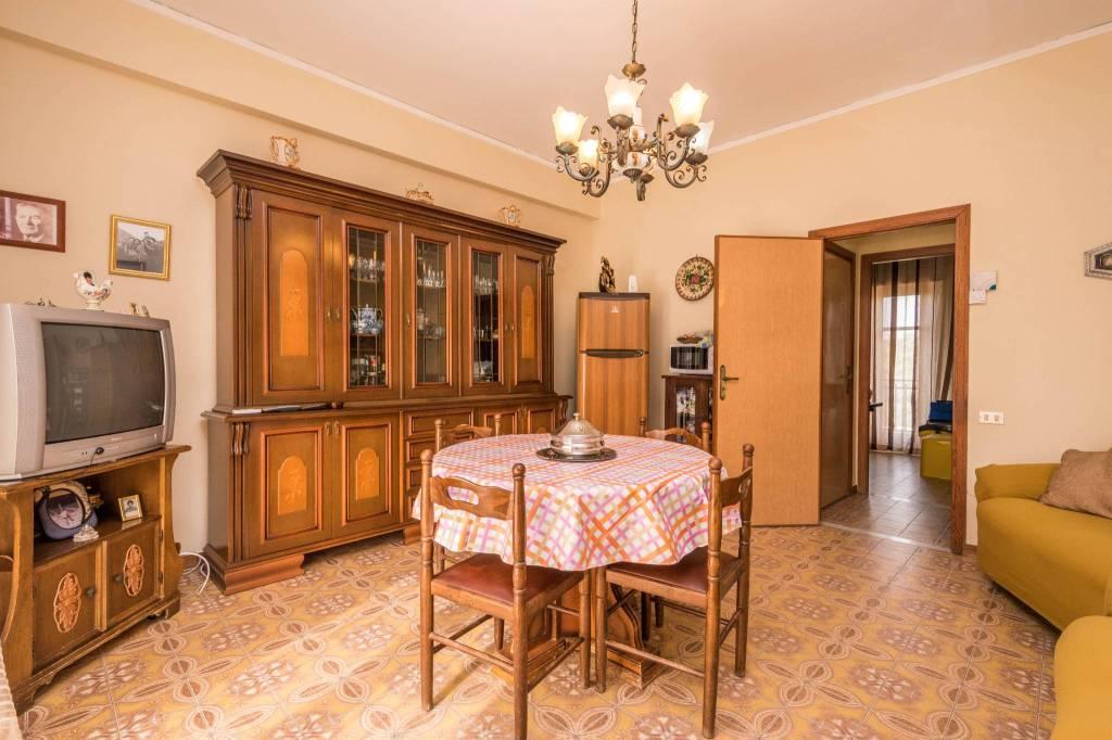 Appartamento in buone condizioni arredato in affitto Rif. 7577310