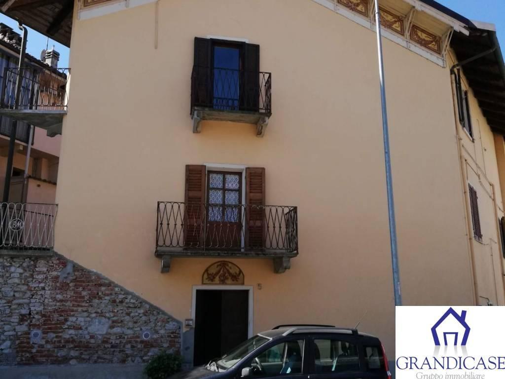 Appartamento in buone condizioni in affitto Rif. 8029594