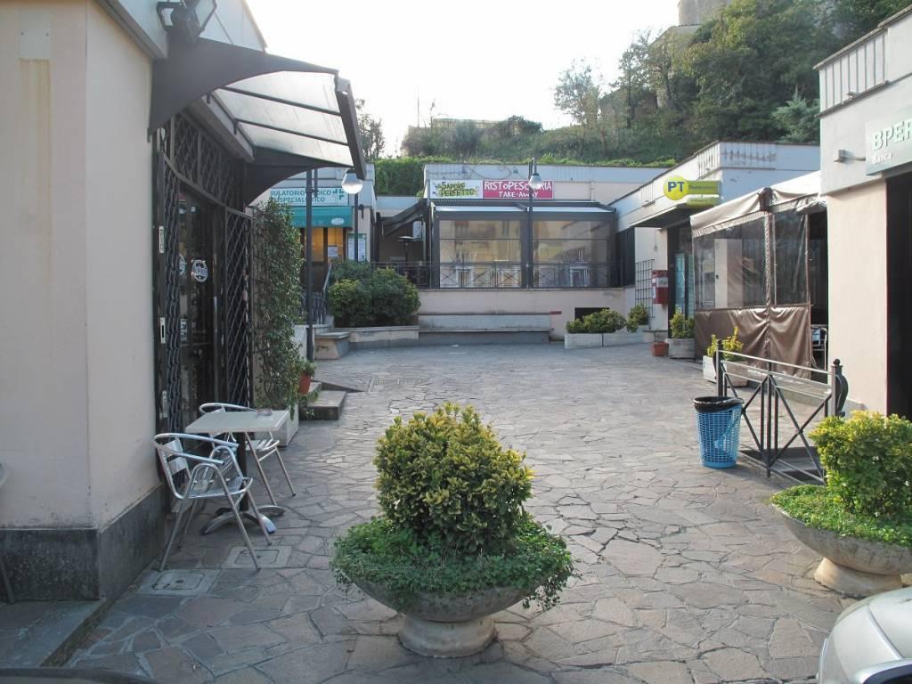 Negozio / Locale in affitto a Sacrofano, 1 locali, prezzo € 700   CambioCasa.it