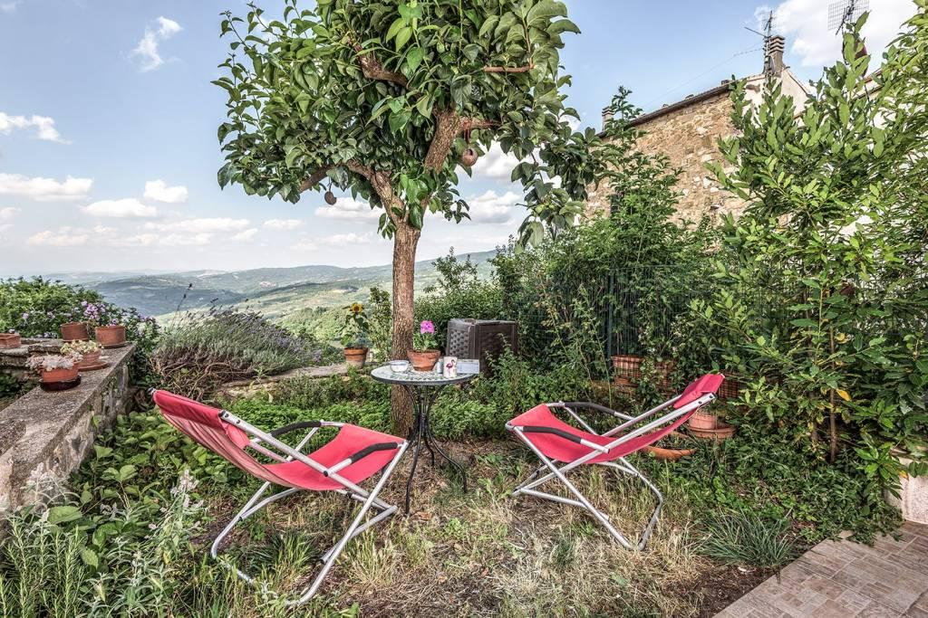Terratetto di ca 60 mq a Montelaterone con giardino. Luminos