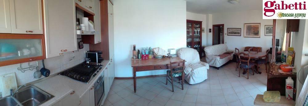 Appartamento in buone condizioni in vendita Rif. 8410196