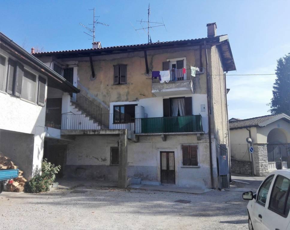 Appartamento in ottime condizioni in vendita Rif. 8412267
