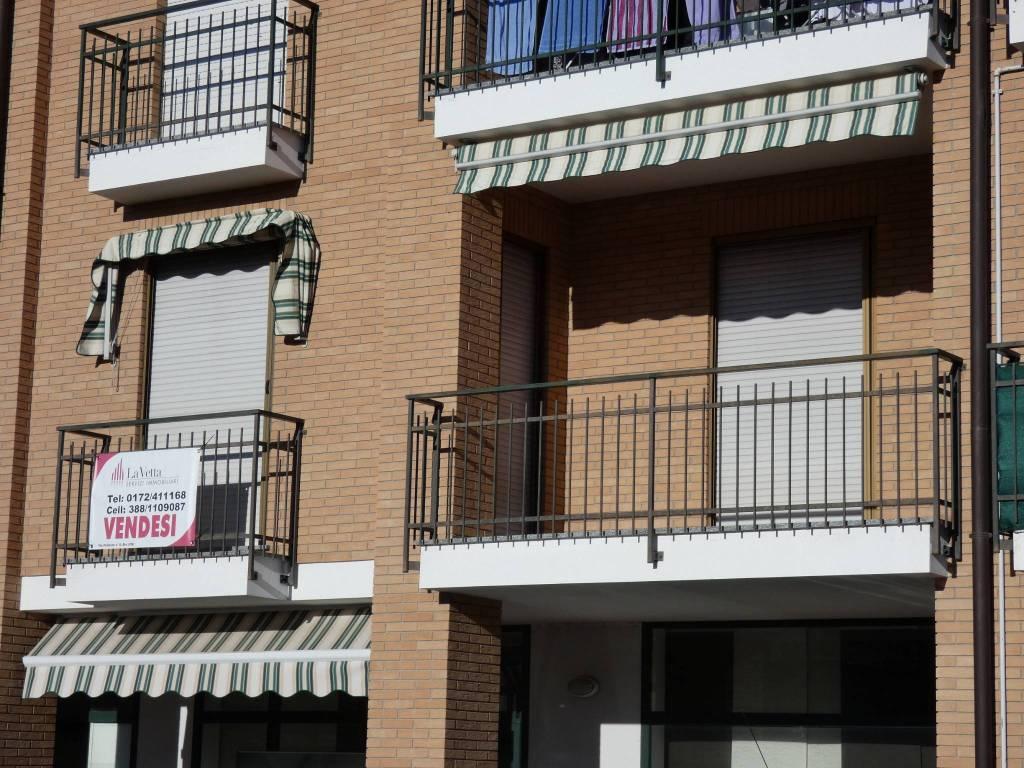 Appartamento in buone condizioni parzialmente arredato in vendita Rif. 8399795