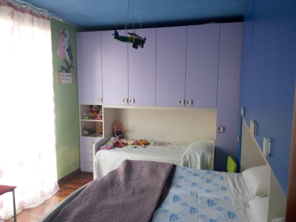 Appartamento in buone condizioni in vendita Rif. 8410698