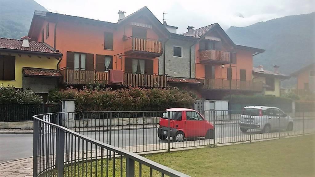 Appartamento in buone condizioni arredato in affitto Rif. 8412745