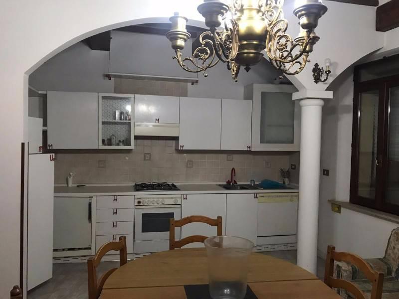 Appartamento in ottime condizioni arredato in affitto Rif. 8407854