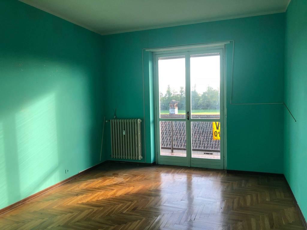 Appartamento in buone condizioni in affitto Rif. 8423015