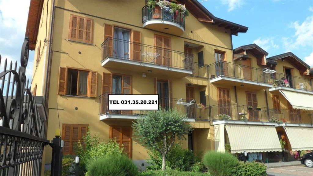 Appartamento in buone condizioni in vendita Rif. 8424153