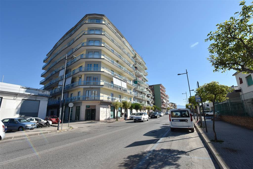 Appartamento in buone condizioni in vendita Rif. 8428139