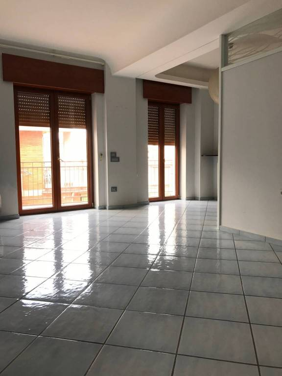 Appartamento in ottime condizioni parzialmente arredato in affitto Rif. 8426652