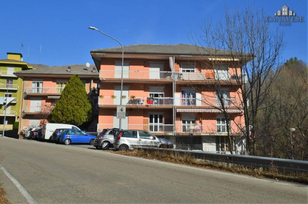 Appartamento in buone condizioni in vendita Rif. 8425576