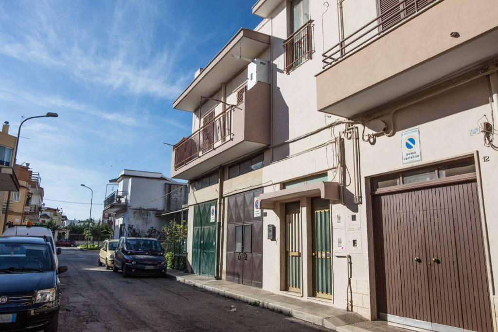 Appartamento da ristrutturare in vendita Rif. 8424841