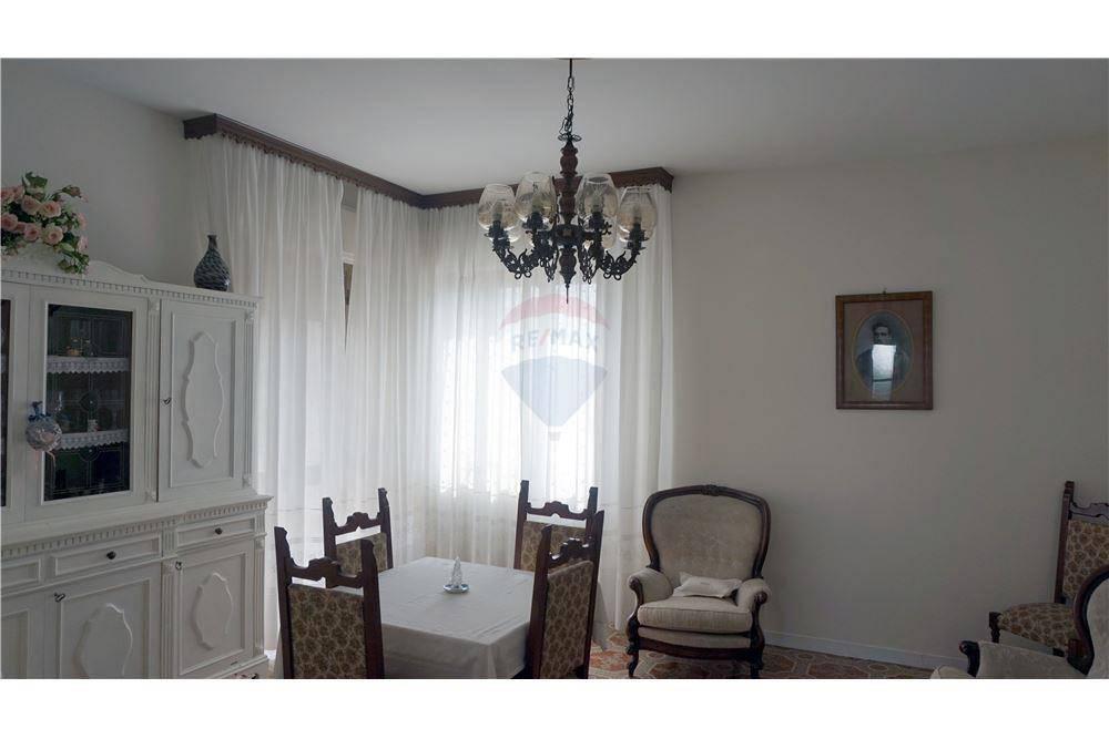 Appartamento in vendita a Ghedi, 5 locali, prezzo € 145.000   PortaleAgenzieImmobiliari.it