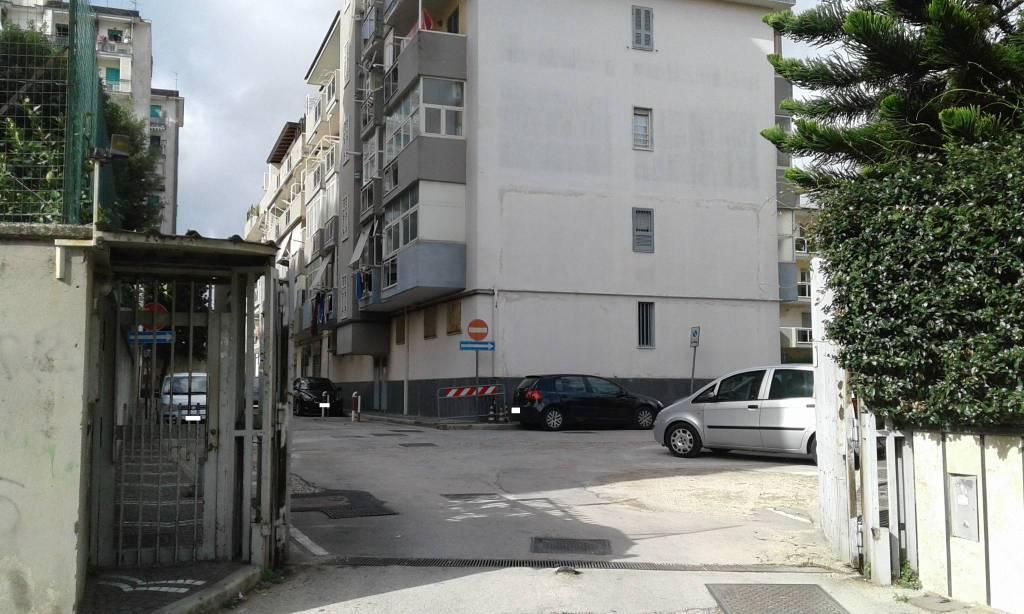 Appartamento in buone condizioni in vendita Rif. 8425838