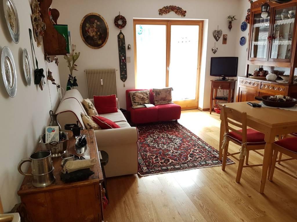 Appartamento in buone condizioni arredato in vendita Rif. 8284264