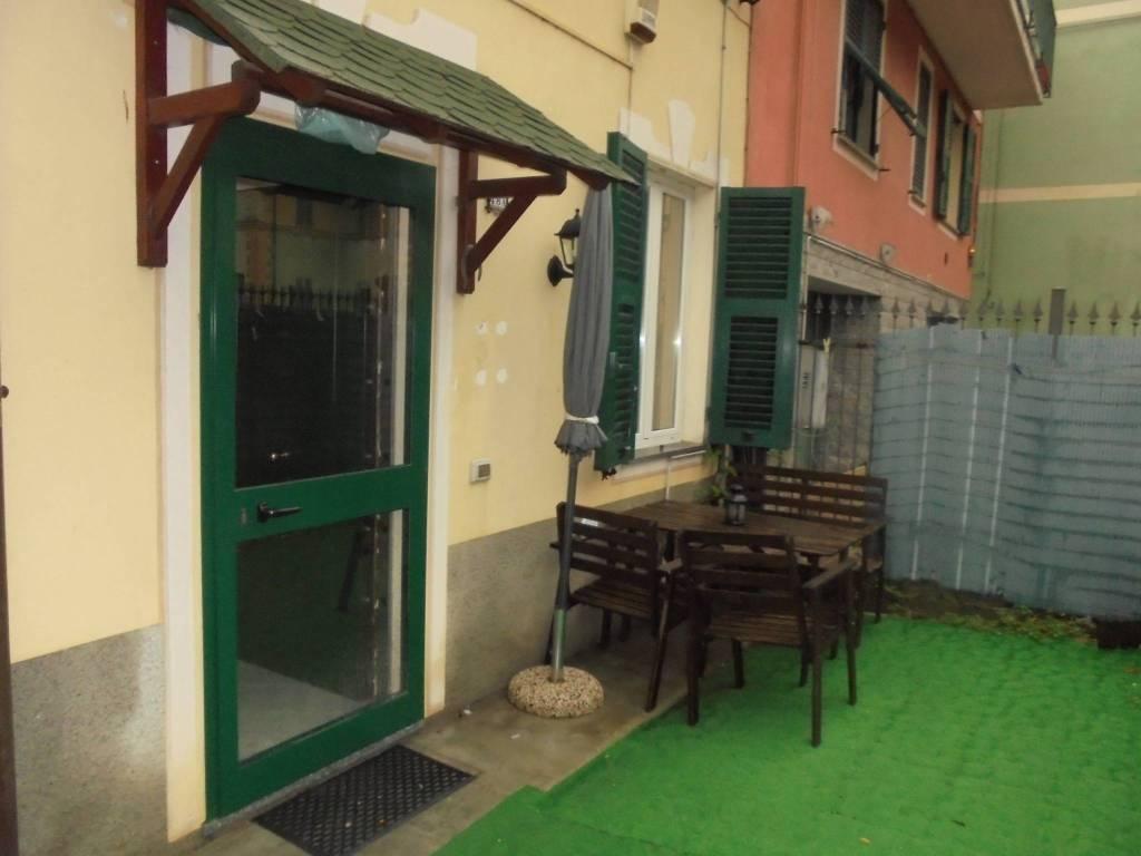 Appartamento in buone condizioni in vendita Rif. 8422255