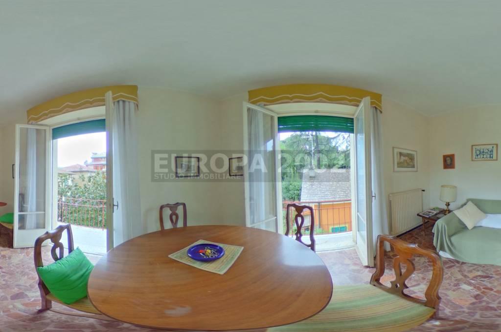 Appartamento in buone condizioni arredato in vendita Rif. 8402023