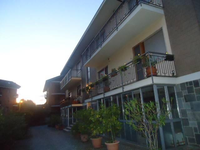 Appartamento in buone condizioni in affitto Rif. 8424701