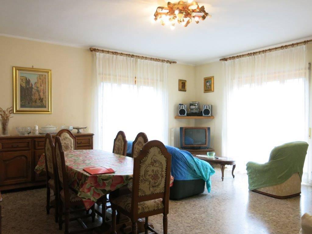 Appartamento in vendita Rif. 8427370