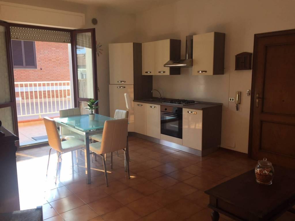 Appartamento in buone condizioni arredato in affitto Rif. 7495467