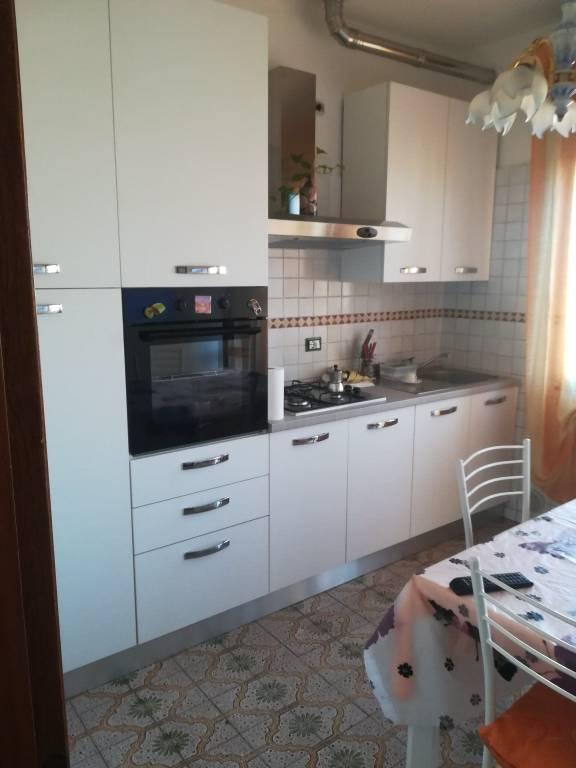Appartamento in buone condizioni in vendita Rif. 8426130