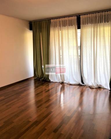Appartamento in buone condizioni parzialmente arredato in vendita Rif. 7013938