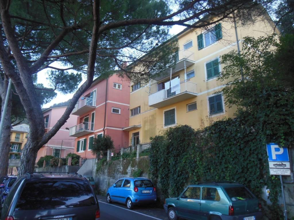Appartamento in buone condizioni in vendita Rif. 8427010