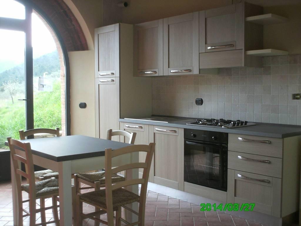 Appartamento in ottime condizioni arredato in vendita Rif. 8426431
