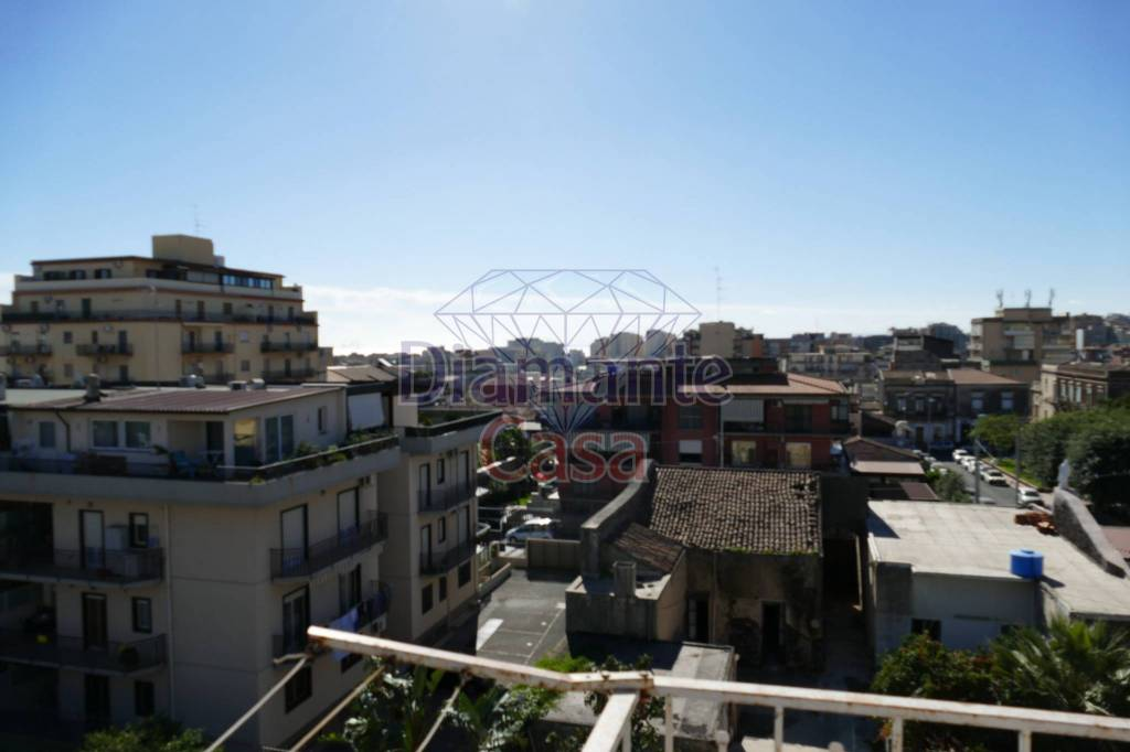 Appartamento in Affitto a Catania Centro: 3 locali, 80 mq