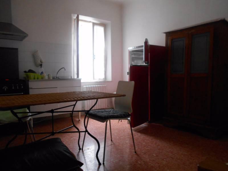 Appartamento in buone condizioni arredato in affitto Rif. 8422553