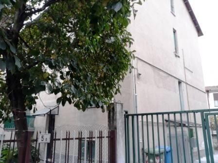 Appartamento in buone condizioni arredato in vendita Rif. 8425348