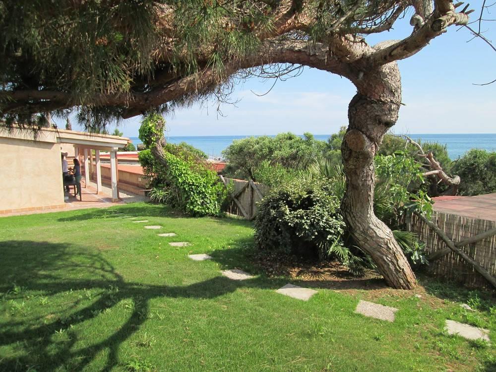 Villa arredato in vendita Rif. 8426324