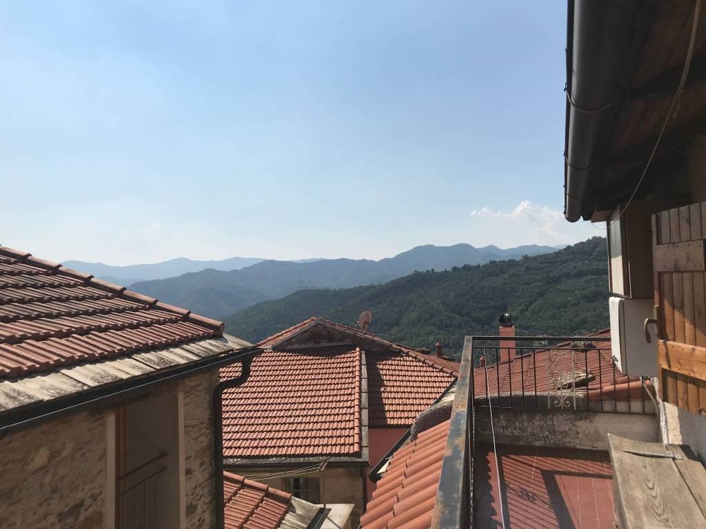 Appartamento rustico con terrazza in vendita 55.000€