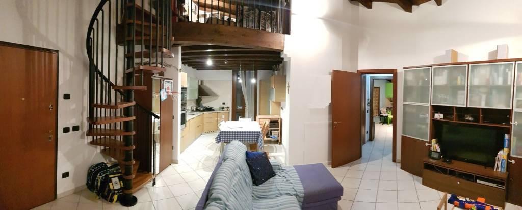 Appartamento in ottime condizioni in vendita Rif. 8398999