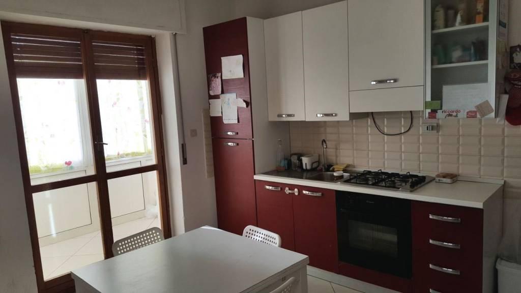 Appartamento in ottime condizioni parzialmente arredato in affitto Rif. 8424269