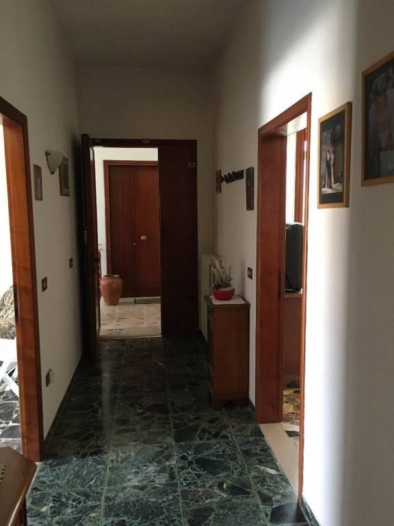 Appartamento in buone condizioni parzialmente arredato in vendita Rif. 8467806
