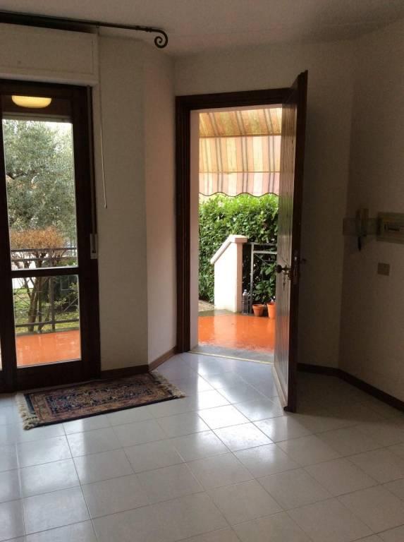 Appartamento in ottime condizioni in vendita Rif. 8467809