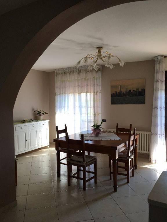 Appartamento in ottime condizioni in vendita Rif. 8467811