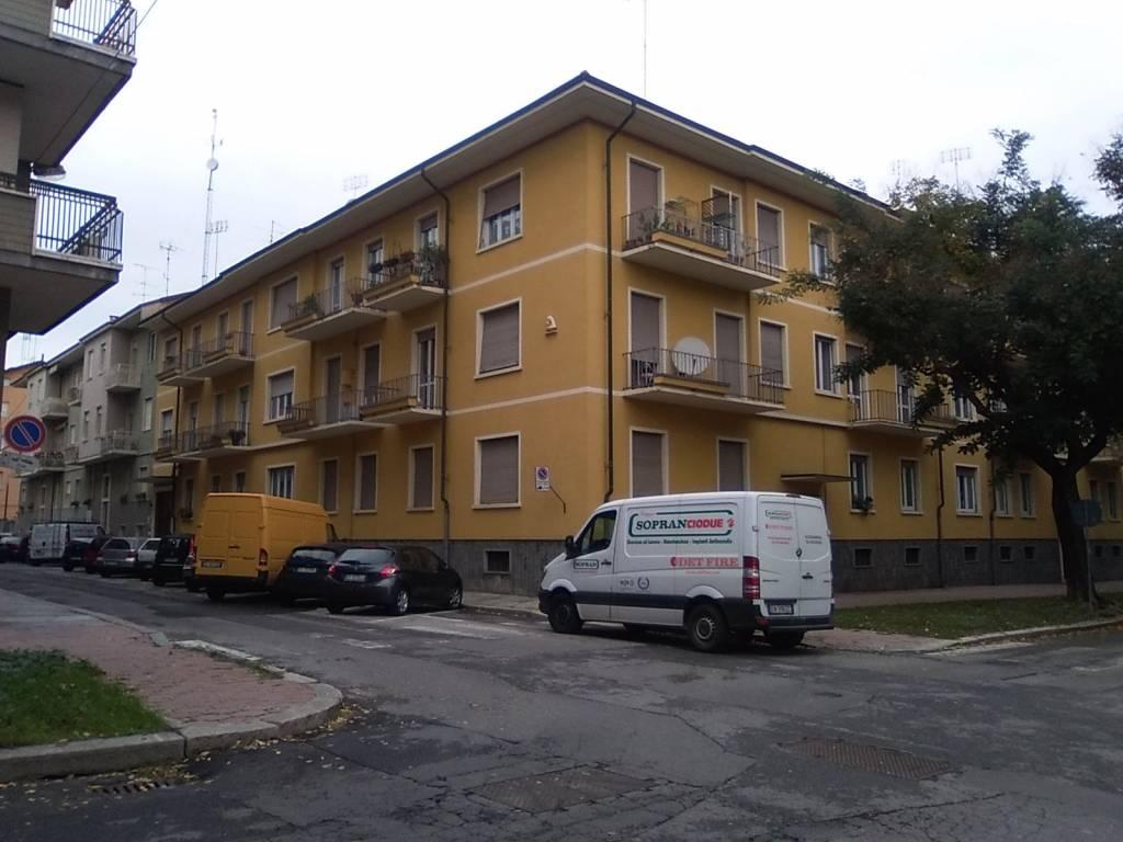 Appartamento in buone condizioni in vendita Rif. 9210027