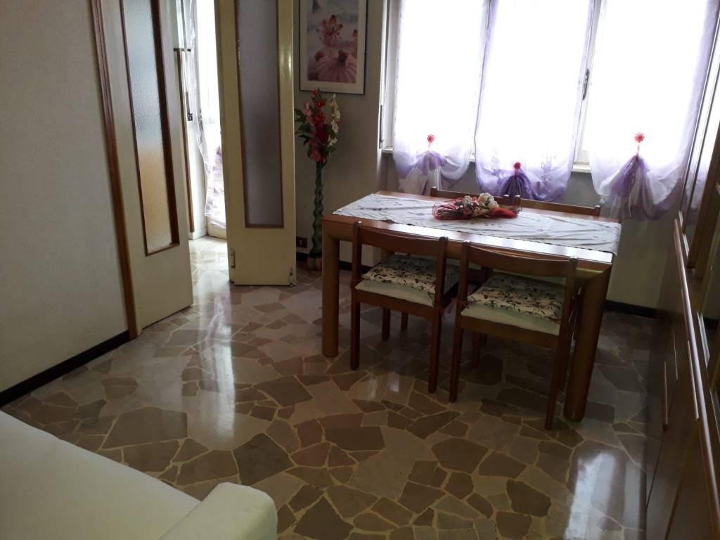 Appartamento in buone condizioni in affitto Rif. 8434663