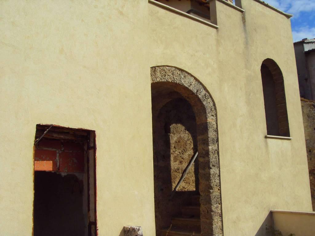 Casa Indipendente da ristrutturare in vendita Rif. 9480398