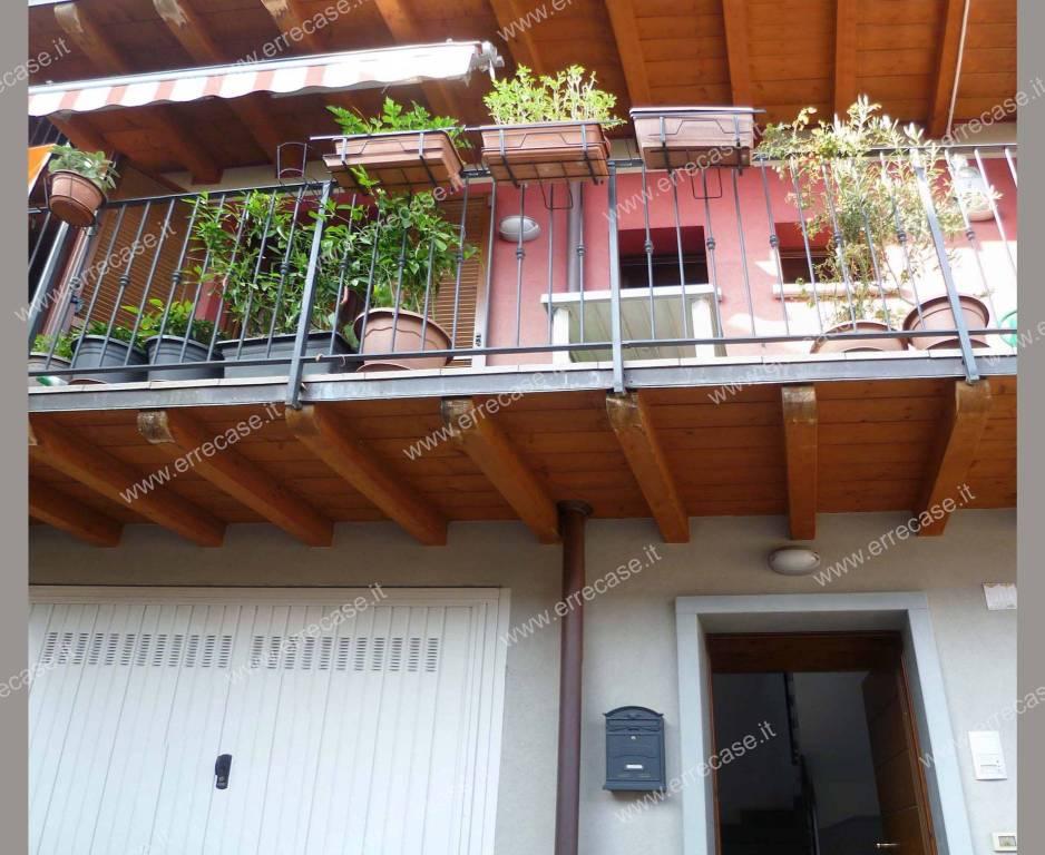 Appartamento in ottime condizioni in vendita Rif. 8434805