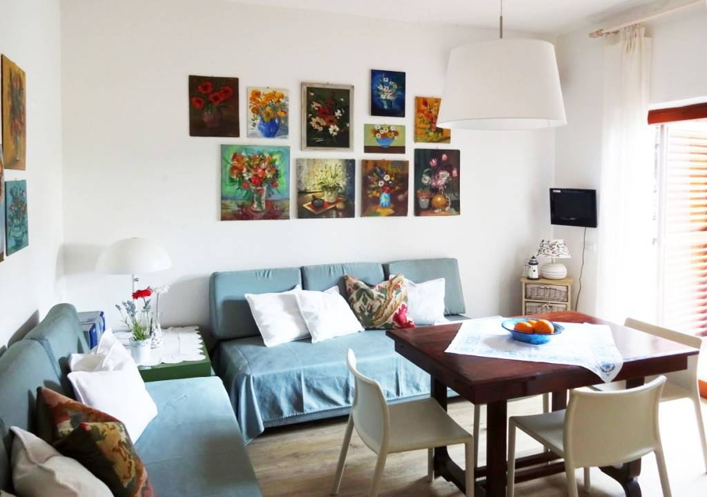 Appartamento in ottime condizioni in vendita Rif. 8440523