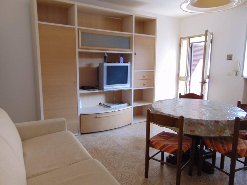 Appartamento in affitto a Nizza Monferrato, 2 locali, prezzo € 300 | CambioCasa.it